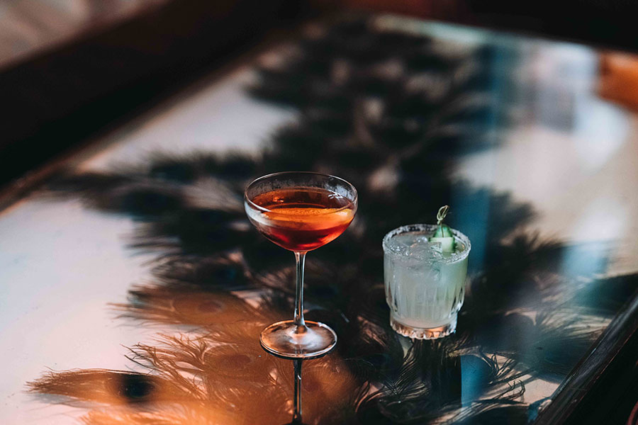BOTTOMS UP: EMBRACE THE HOLIDAY SPIRIT AT THESE NYC BARS