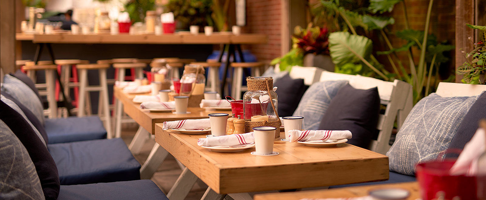 The Al Fresco Way: A Guide to Outdoor Dining