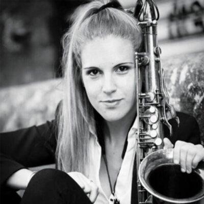 Julieta Eugenio LIVE at Roxy Bar