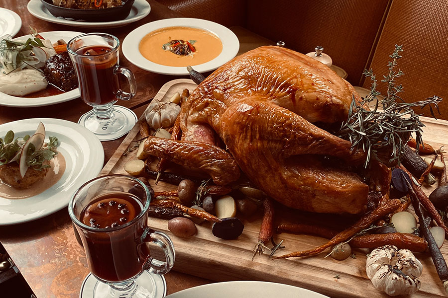 A THANKSGIVING DAY FESTIVE FEAST