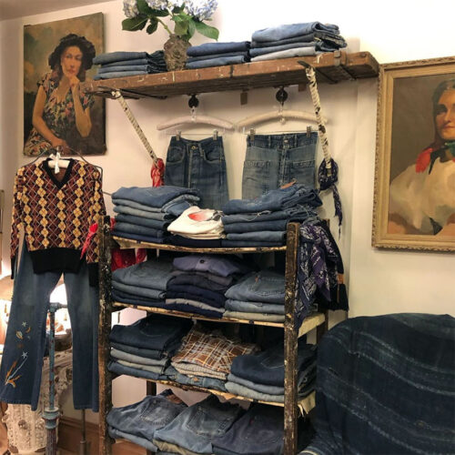 9th St. Vintage New York shopping east village