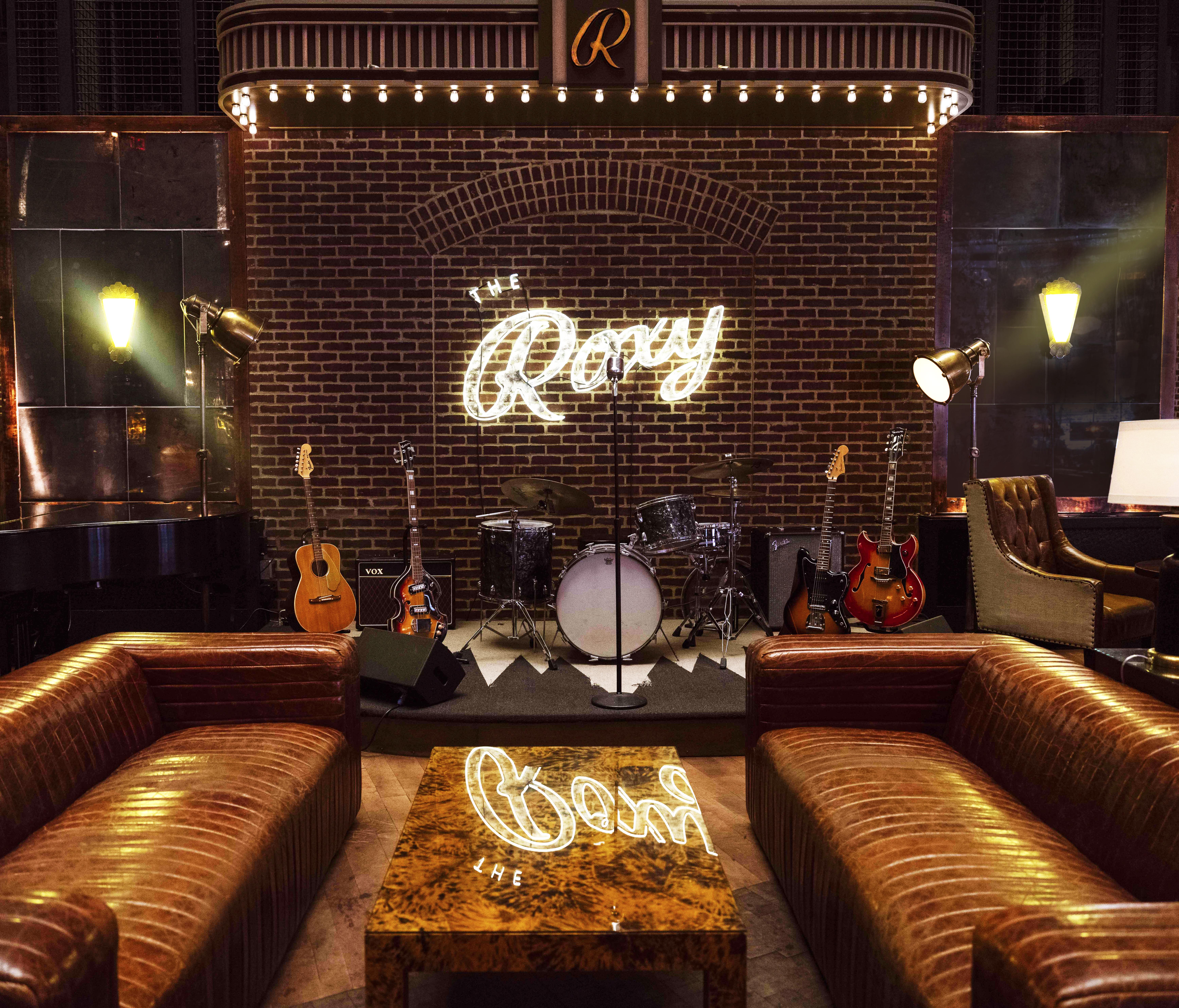 Roxy Bar And Lounge